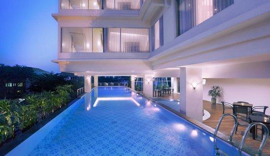 10 Hotel Terbaik Dekat Taman Bungkul