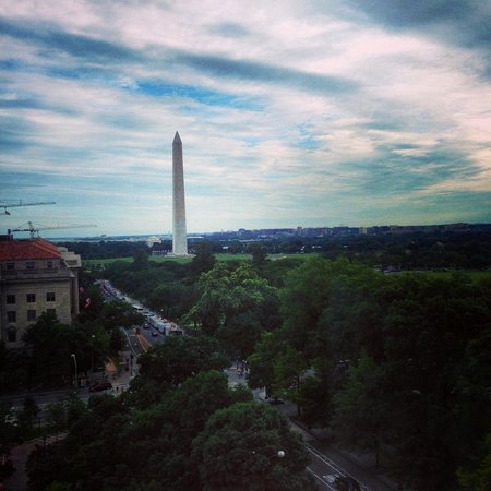 W Washington DC : Washington Monument from the top floor room