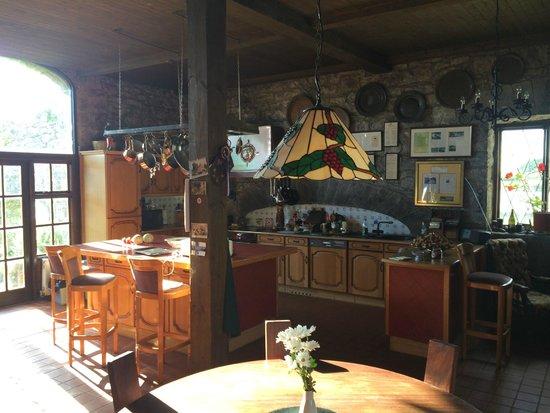 Kilcolgan Castle: Kitchen / Dining  /Play Area