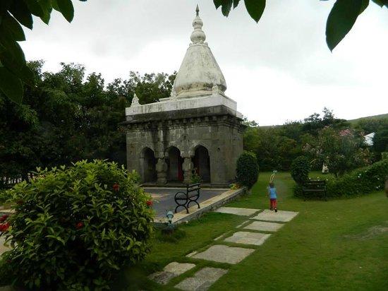 Fort JadhavGADH: Ganesh Temple