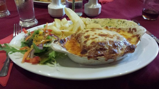 The Old Smugglers Inn: Lasagna, was very delicious!