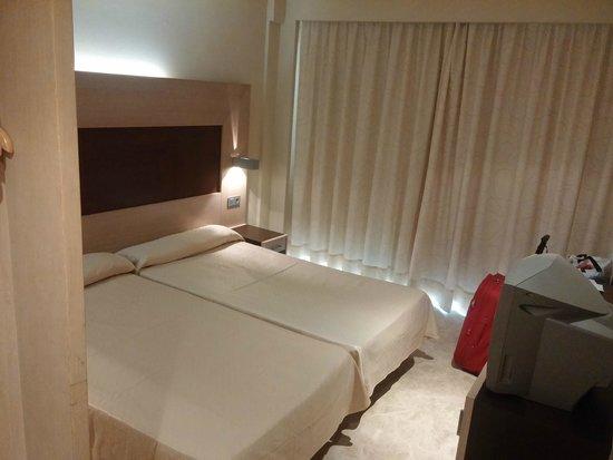 Dynastic Hotel: Habitación 711