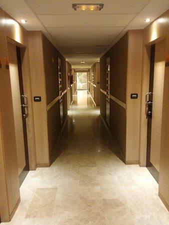 Dynastic Hotel: Pasillo planta 7