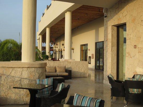 Secrets Maroma Beach Riviera Cancun: Restaurant Row