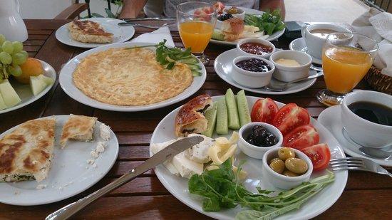 Villa Verde Pension: Kahvaltı