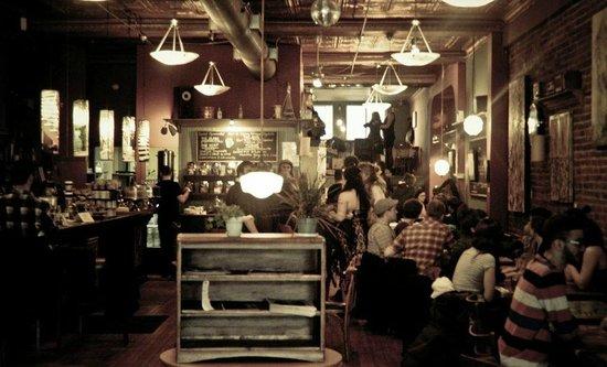 Le Placard - Café Bistro