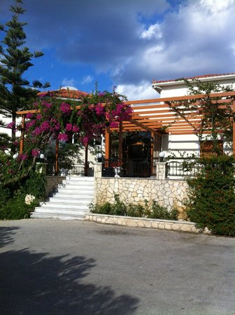 Katerina Palace Hotel: Hotel entrance