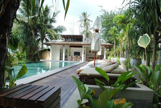 Zara Beach Resort: The stunning pool area