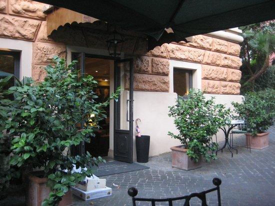 Hotel Aventino: the interior garden
