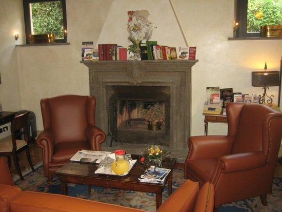 Hotel Aventino: The lobby