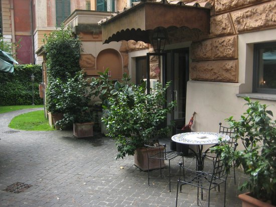 Outside Hotel Aventino