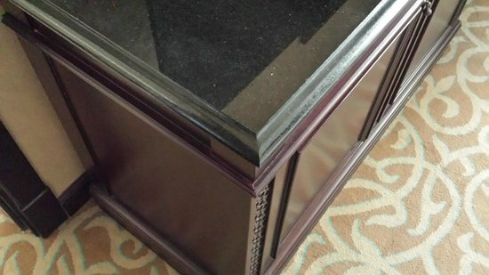 Marjan Island Resort & Spa : Sharp edged furniture. made of stone.