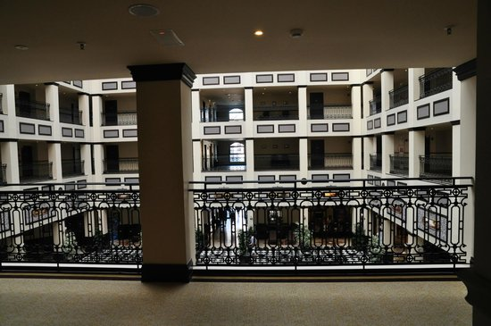 PortAventura Hotel Gold River: Внутренний двор