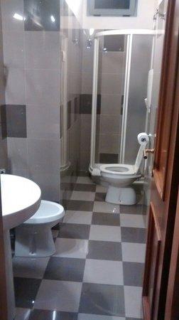 Best Western Plus Hotel Felice Casati: Baño, pequeño pero funcional