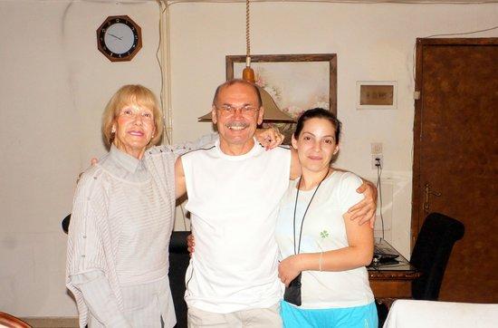 Club Hotel Iliochari : Фото с друзьями