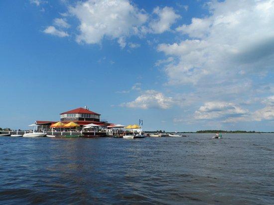 Smit's Paviljoen met uitzicht over het meer.