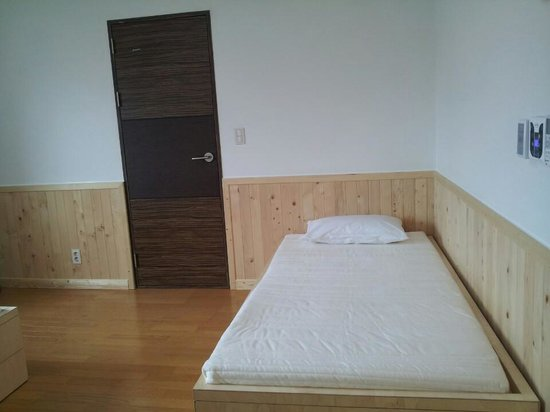 Backpacker's Home: Annex(신관)- Double bed + Single room
