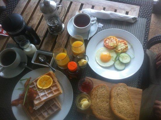 WaterColors Boracay Dive Resort: Breakfast