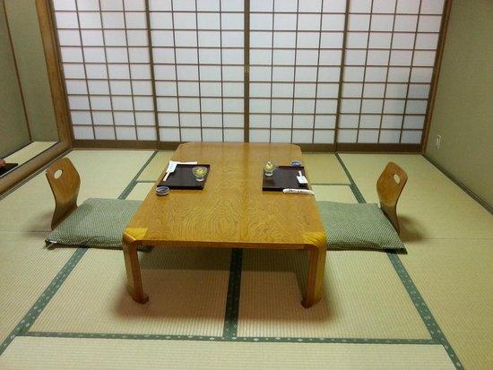 Ryokufuso: la camera pronta per la cena kaiseki