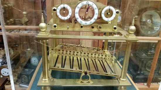Conger Street Clock Museum: A clock that's hundreds of years old