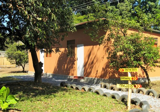 Wanderers Lodge Lusaka: Leafy gardens