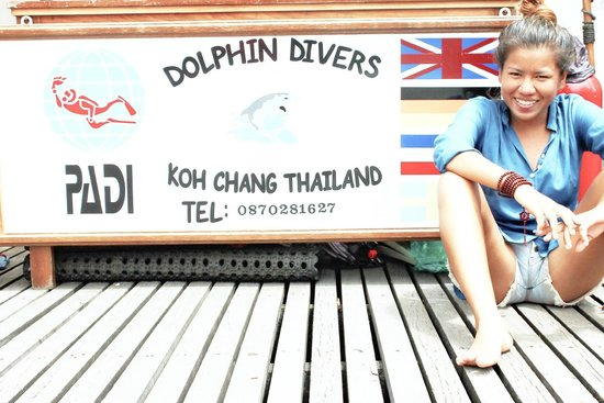 LOVE DOLPHIN DIVERS
