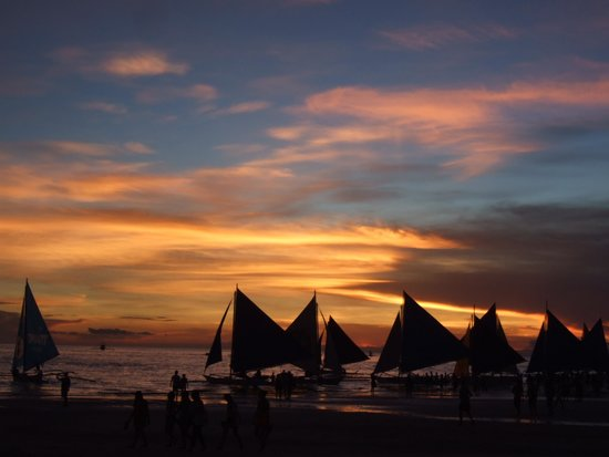 White Beach : Sunset in Boracay