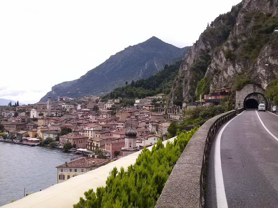 Hotel San Giorgio: Vista di Limone