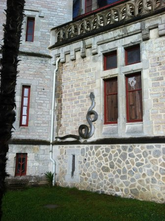 Chateau d'Abbadie: Particolare del serpente