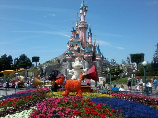 le ch teau disney photo de disneyland paris marne la vall e tripadvisor. Black Bedroom Furniture Sets. Home Design Ideas