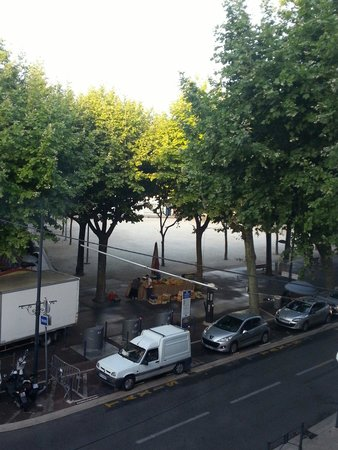 La Victoire: View of the square from hotel room