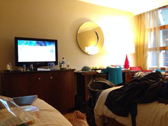 London Heathrow Marriott Hotel: 3 bed room
