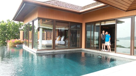 Sri Panwa Phuket Luxury Pool Villa Hotel: bedroom and the living room