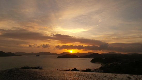 Sri Panwa Phuket : Sunset view from BabaNest