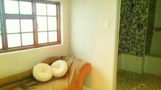 Etadi Wellness Centre : Relaxation Corner in Steam Room