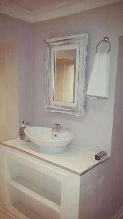 Etadi Wellness Centre : Bathroom