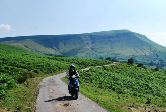 Wye Valley Canoes: Cruising the black mountains on a Vespa 4