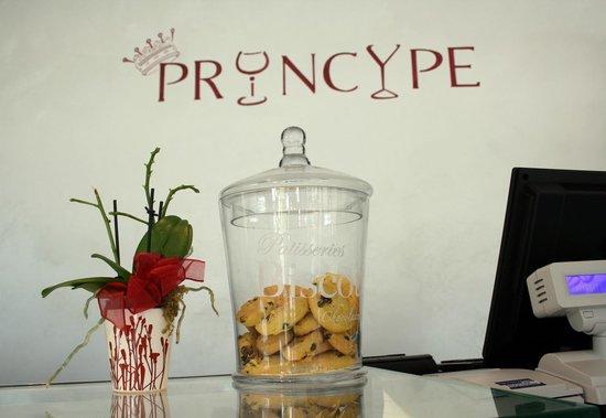 Bar Ristorante Principe: Il logo del nostro locale nel retro bacone