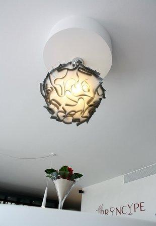 Bar Ristorante Principe: Il lampadario
