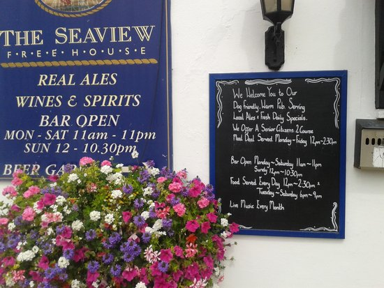 The Seaview Hotel: food served 12 til 2.30pm :-(