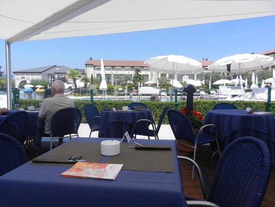 Hotel Caesius Thermae & Spa Resort : Mittags am Pool