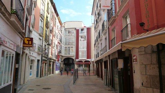 Hostal Rimbombin: Hostal y terraza, aún sin montar