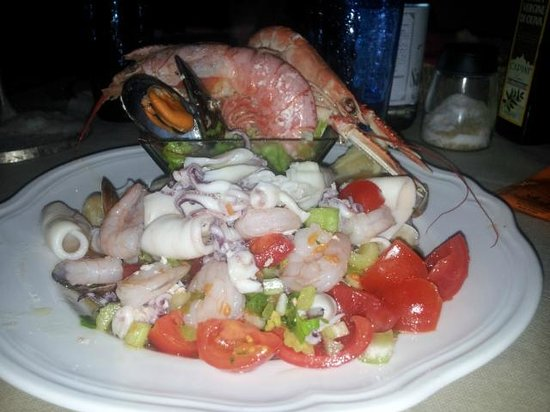 Osteria Pazza Idea: insalata di mare abbondante!