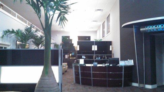 Bentley's Boutique Hotel, BW Premier Collection : front desk