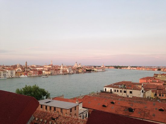 Hilton Molino Stucky Venice Hotel: View from rooftop bar