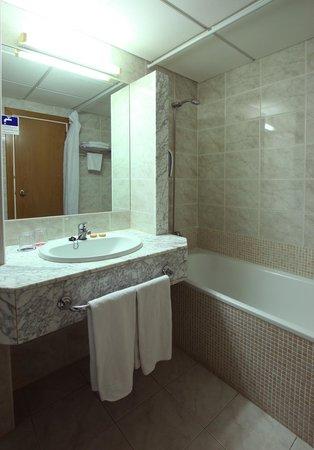 MedPlaya Hotel Calypso: Bathroom