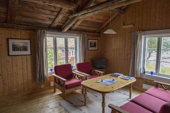 "Reine Rorbuer : Living room ""Inge"""