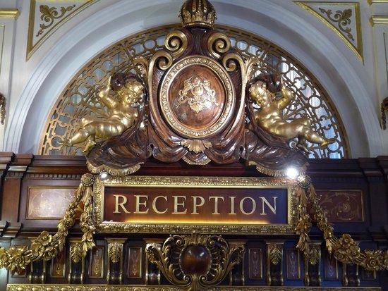 Grand Hotel Des Iles Borromees : La reception