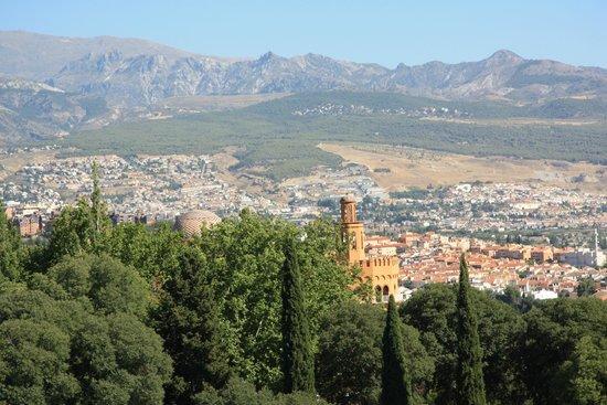Saray Hotel: Relájese en la ciudad y en la montaña
