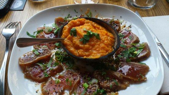 Saline Ceviche Bar : Tataki de thon et purée de patates douces..miam miam